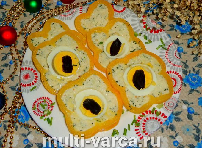 """Как приготовить холодную закуску фаршированный перец сыром, яйцом и чесноком """"Кошачий глаз"""""""