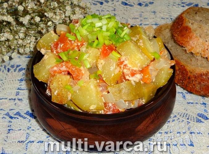 Тушеные кабачки с помидорами в мультиварке