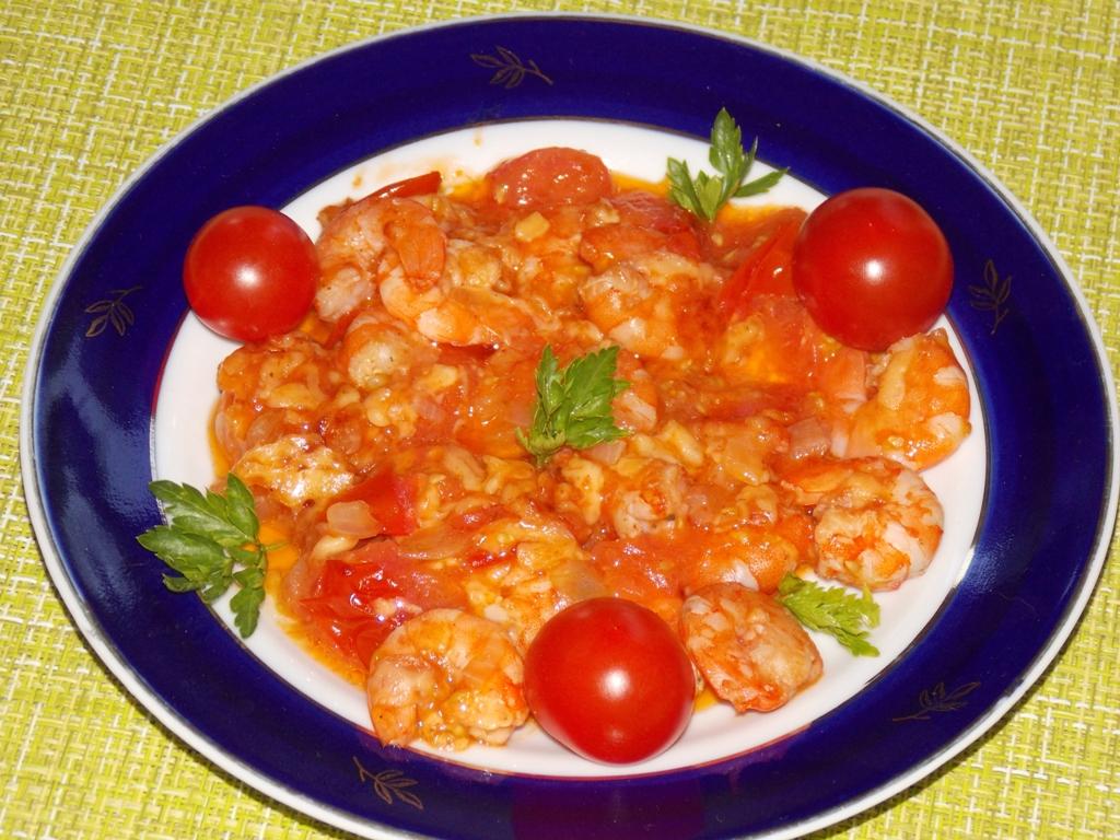 Креветки с сыром и помидорами в мультиварке