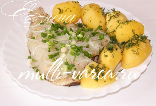Камбала на пару в мультиварке с картошкой
