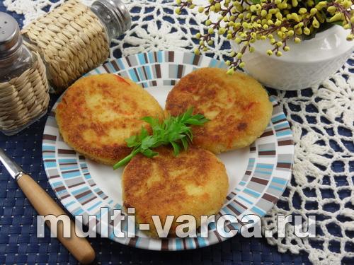 Картофельные котлеты с сыром в мультиварке