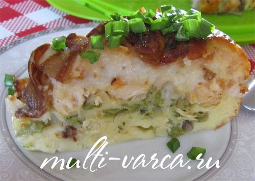 Пирог слоеный с курицей и грибами в мультиварке