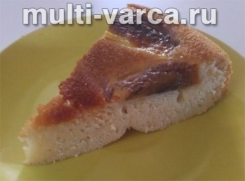 Медовый пирог с хурмой в мультиварке