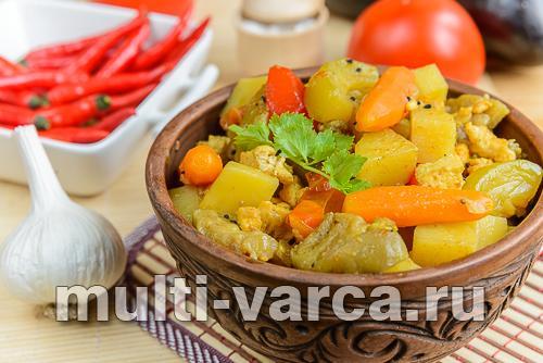Овощное рагу с кабачками, баклажанами, картошкой в мультиварке