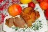 Утка в рукаве с яблоками в духовке