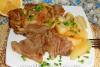 Свиная шейка, запеченная куском с картошкой в мультиварке