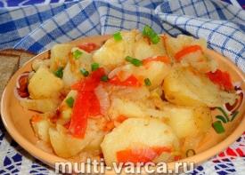 Картошка в мультиварке с луком и помидорами