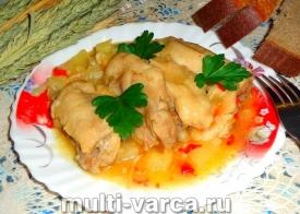 Курица с болгарским перцем и ананасами в мультиварке