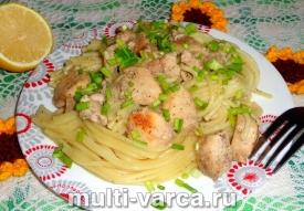 Спагетти с курицей в мультиварке