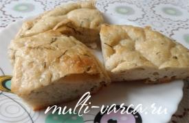 Постный хлеб с зеленью и чесноком в мультиварке