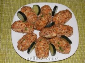 Куриные котлеты с гречкой и овощами в духовке