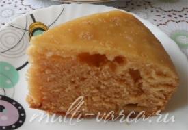 Медовый пирог с яблоками на молоке в мультиварке