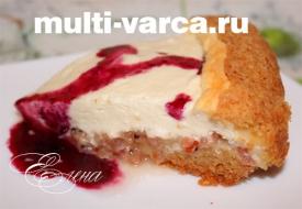 Творожно ягодный пирог в мультиварке со смородиной