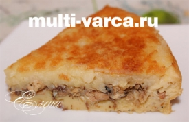 Пирог с картошкой и сайрой в мультиварке на кефире