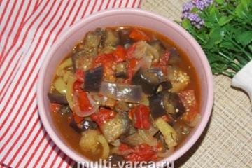 Тушеные баклажаны с помидорами в мультиварке