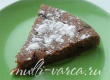 Шоколадный пирог на газированной воде в мультиварке с сухофруктами