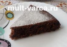 Вишневый кекс с шоколадом в мультиварке