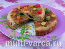 Пирог-коврижка с яблоками, сухофруктами в мультиварке