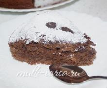 Постный шоколадный пирог на огуречном рассоле в мультиварке