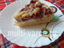 Творожный пирог с клубникой в мультиварке