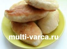 Жареные дрожжевые пирожки с капустой в мультиварке