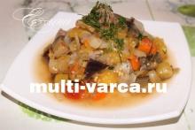 Овощное рагу с кабачками и баклажанами в мультиварке