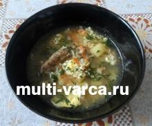 Рисовый суп с куриными шейками и яйцом в мультиварке