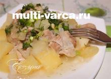 Картошка с кабачками и свининой в мультиварке