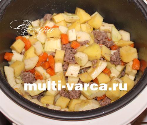 мясо с кабачками и картошкой в мультиварке