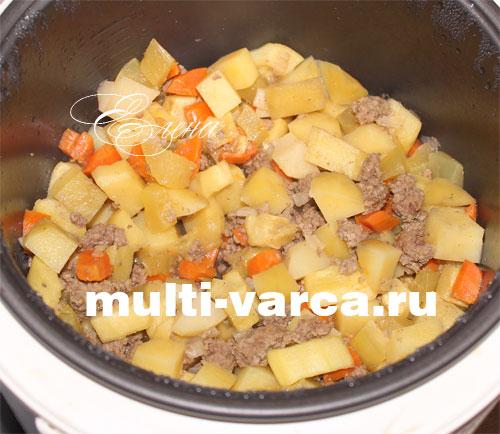 тушеная картошка с кабачками и фаршем