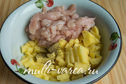 Как приготовить курицу в фольге в мультиварке, запеченную с картошкой и сыром