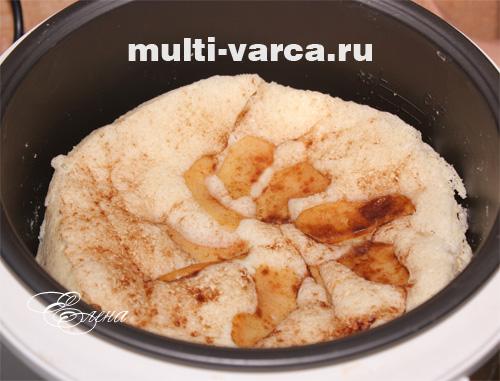 как испечь вкусную шарлотку с яблоками в духовке пошаговый рецепт