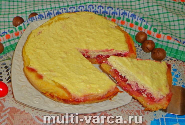 Пирог с творогом и вишней в мультиварке