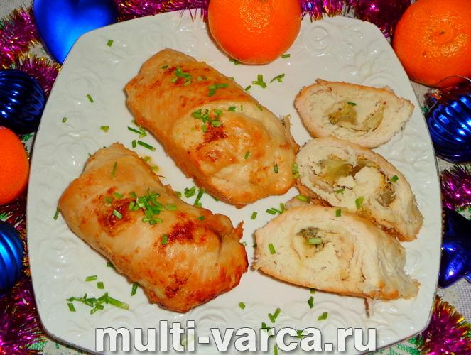 Как приготовить куриные рулетики в духовке запеченные с начинкой из ананасов, пошаговый рецепт с фото