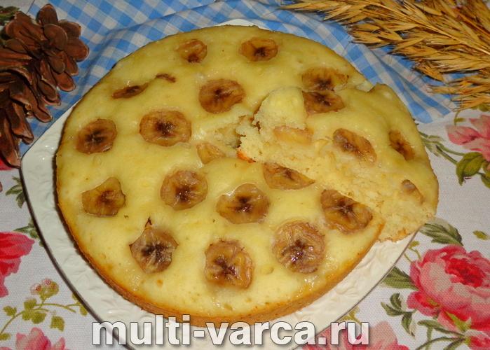 Банановый пирог на кефире в мультиварке