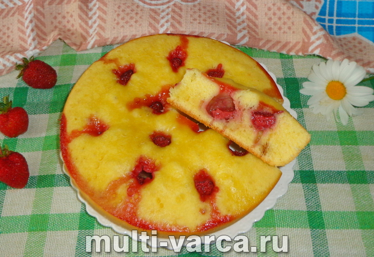Лимонный кекс с клубникой в мультиварке