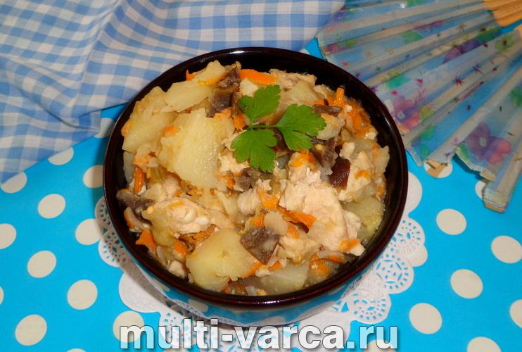 Баклажаны с картошкой и курицей в мультиварке