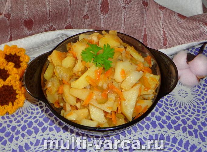 Картошка с огурцами в мультиварке