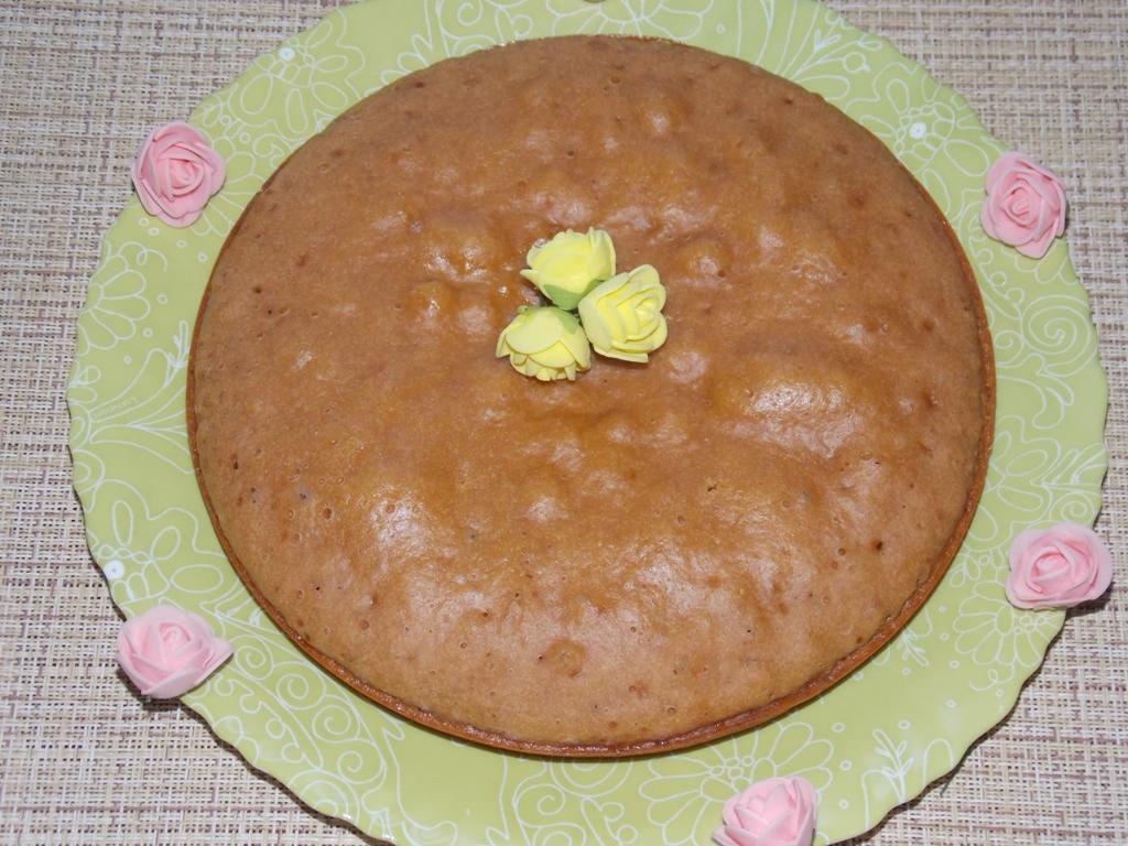 Пирог на вареной сгущенке в мультиварке