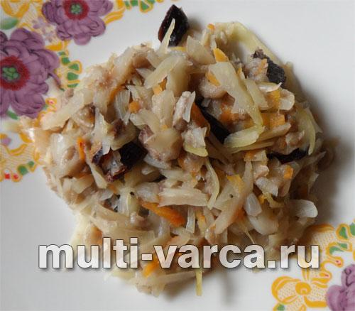 Тушеная капуста в мультиварке с грибами