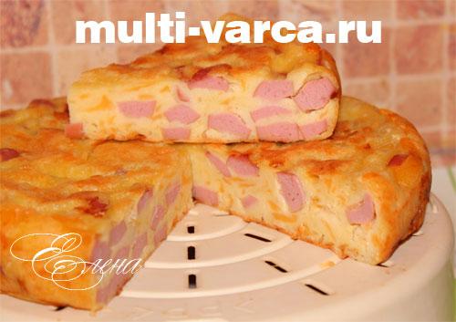 Пирог с сыром и сосисками в мультиварке