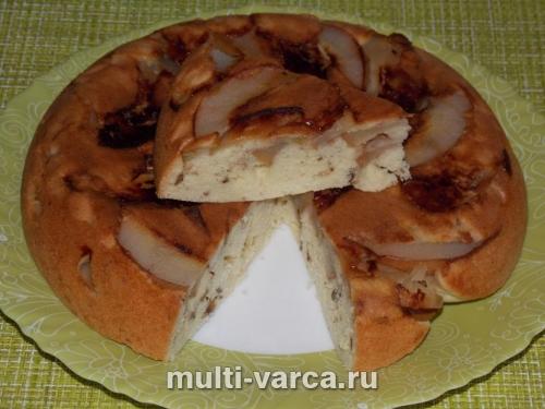 Шарлотка ореховая с яблоком и грушей