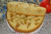 Бисквит с яблоками в мультиварке