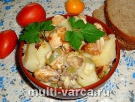 Кабачки с мясом и картошкой в мультиварке