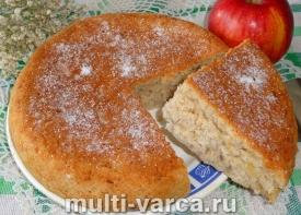 Постный пирог с яблоками в мультиварке