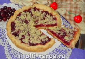 Песочный пирог с вишней в мультиварке
