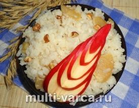 Рисовая каша с яблоками в мультиварке