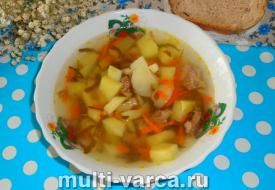 Щавелевый суп с тушенкой в мультиварке