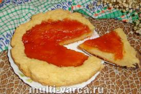 Пирог с абрикосовым вареньем в мультиварке