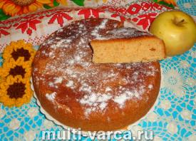 простой пирог с яблочным вареньем в мультиварке